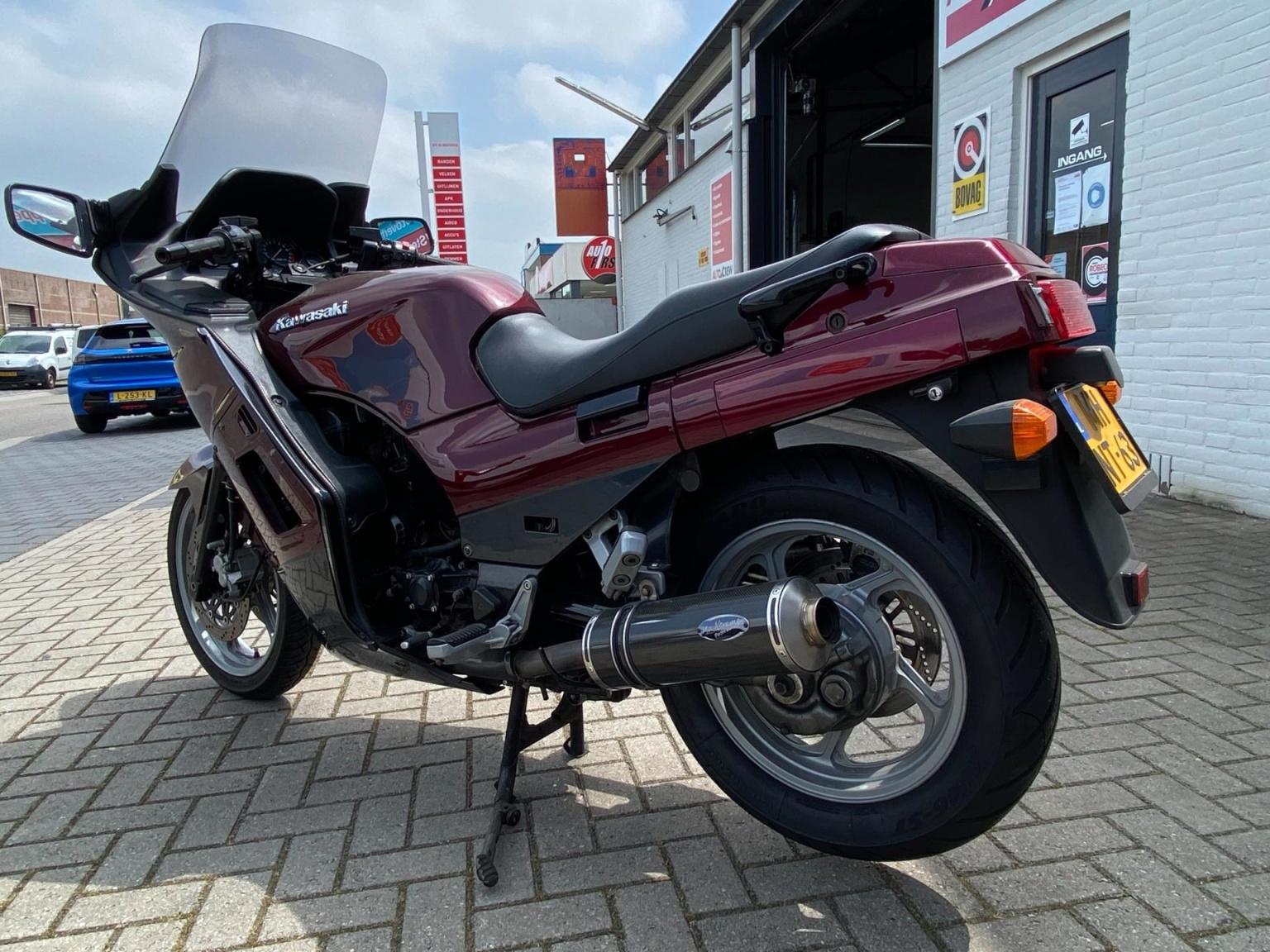 Kawasaki-Tour GTR 1000-3