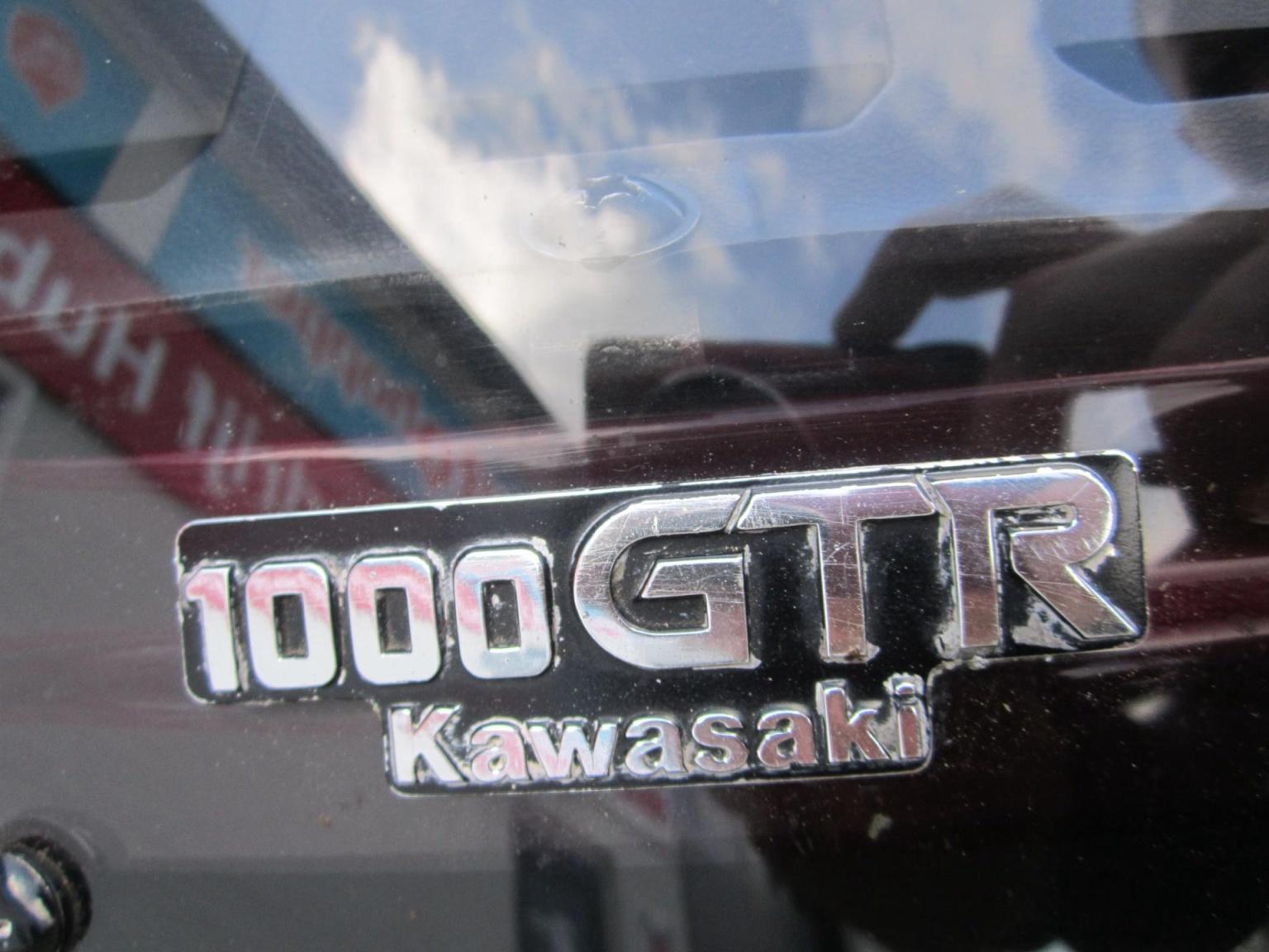 Kawasaki-Tour GTR 1000-10